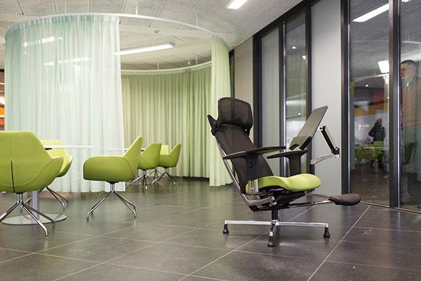 Groen-zwarte stoel