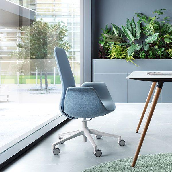 Blauwe bureaustoel